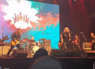 Robert Plant Sings 'Immigrant Song' For First Time Since 1996