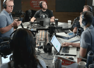 Free Beer and Hot Wings Webcam Feed Monday, August 19, 2019