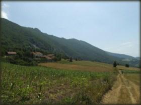 Zemljani put s jugozapadne strane Velikog Krša