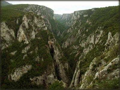 Pogled sa vidikovca na Lazarev kanjon