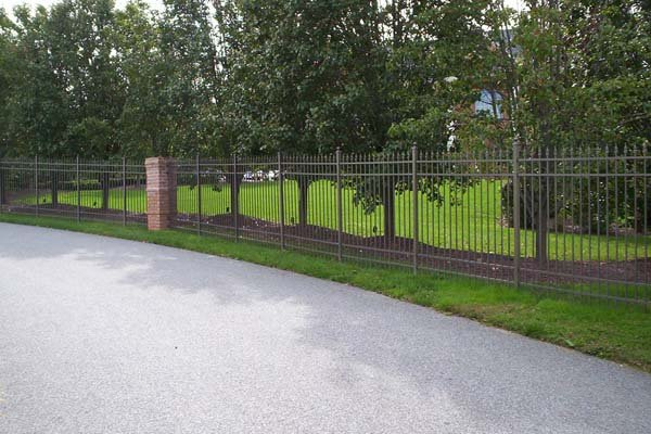 Benefits of Having an Aluminum Fence - Freedom Fence & Deck