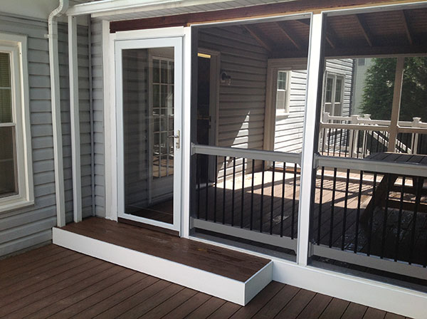 Screened porches freedom fence deck for Screened in rooms
