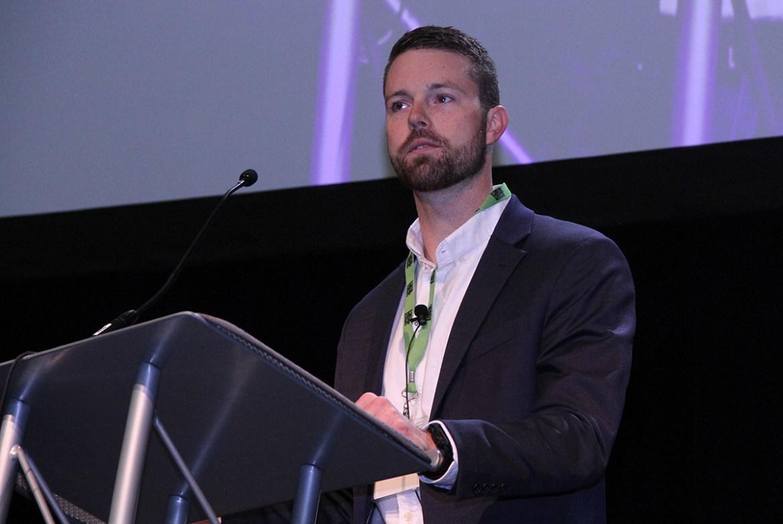 Ryan Dohm de Groff North America hablando en la Cumbre del Cáñamo de PA