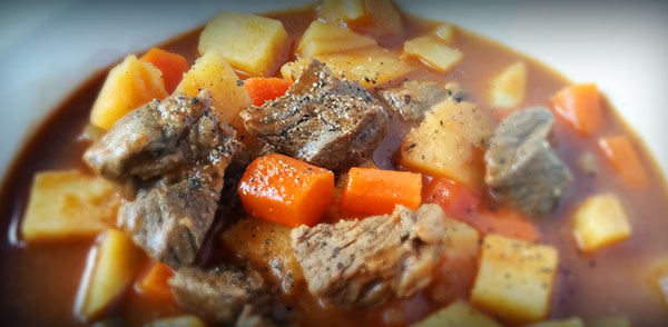 16-04-beef-stew-in-bowl-ground-pepper1