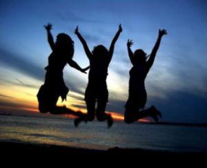 women-celebrating3