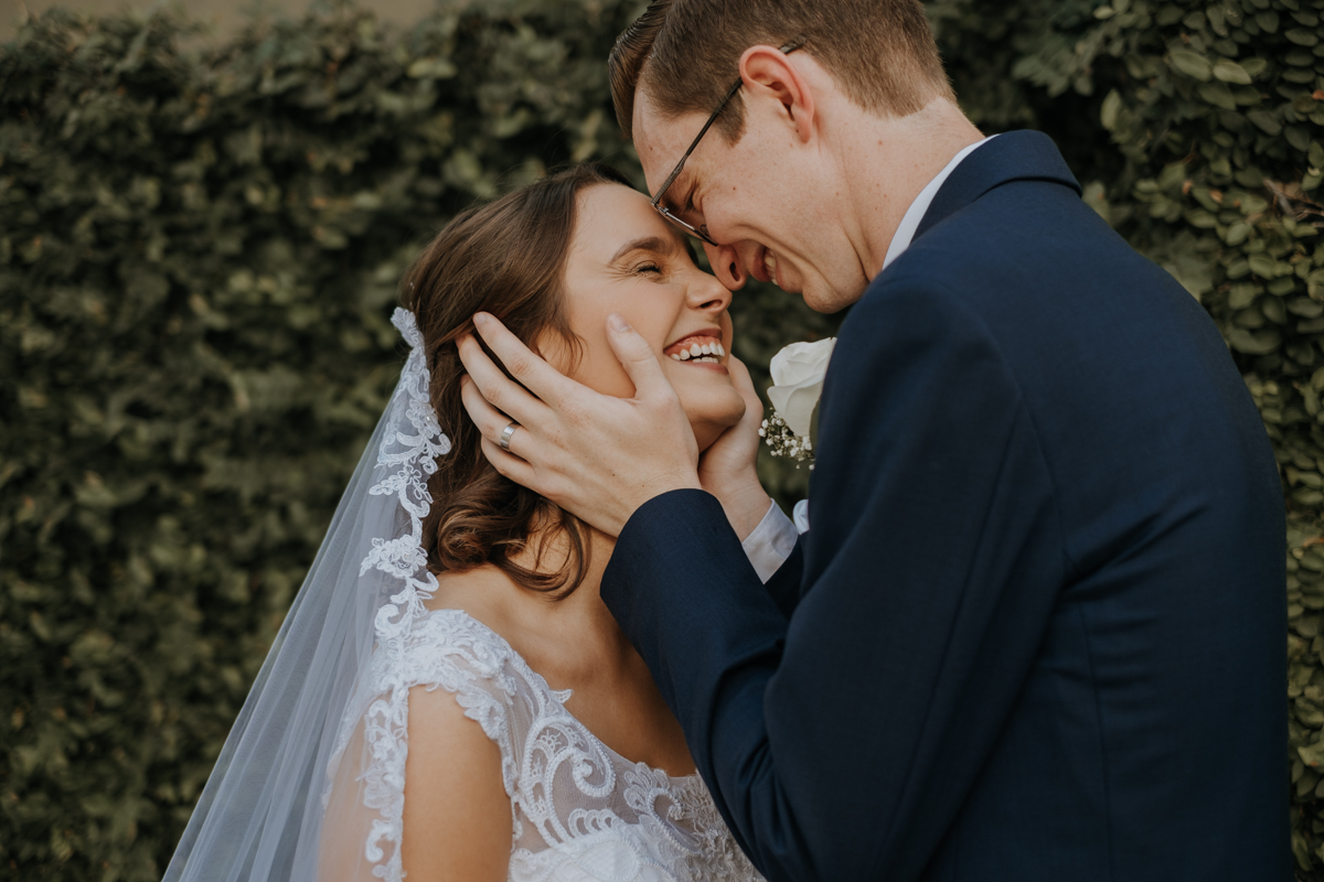 intimate wedding portraits | Emily + Aaron | Freehearted Film Co | Tampa Wedding Photography and Wedding Videography