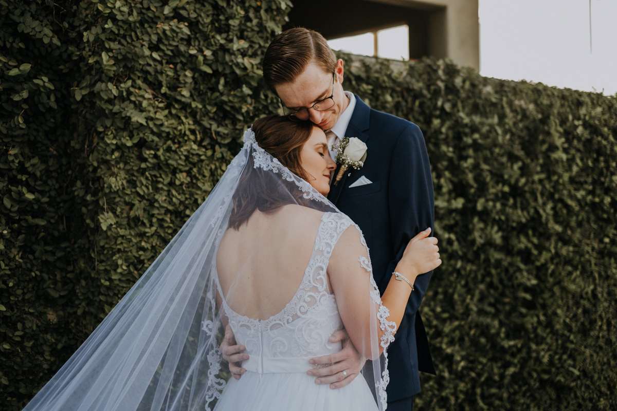intimate wedding portraits | tampa wedding photographer | Emily + Aaron | Freehearted Film Co | Tampa Wedding Photography and Wedding Videography