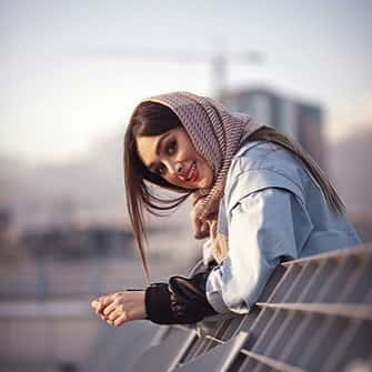Stylish-Muslim-Girl-Dp-For-Fb-Profile (22)