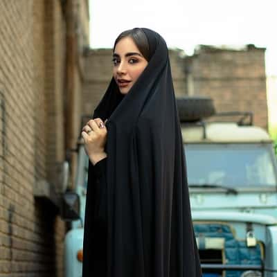 Stylish-Muslim-Girl-Dp-For-Fb-Profile (6)