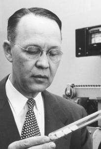 Calvin Fuller, inventor of the modern solar cell