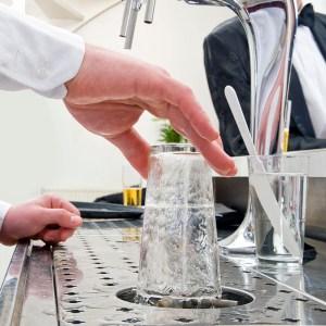 rinsing a glass