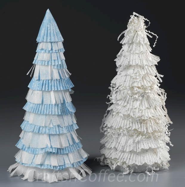 Image of Turn Cupcake Liners Into Christmas Trees