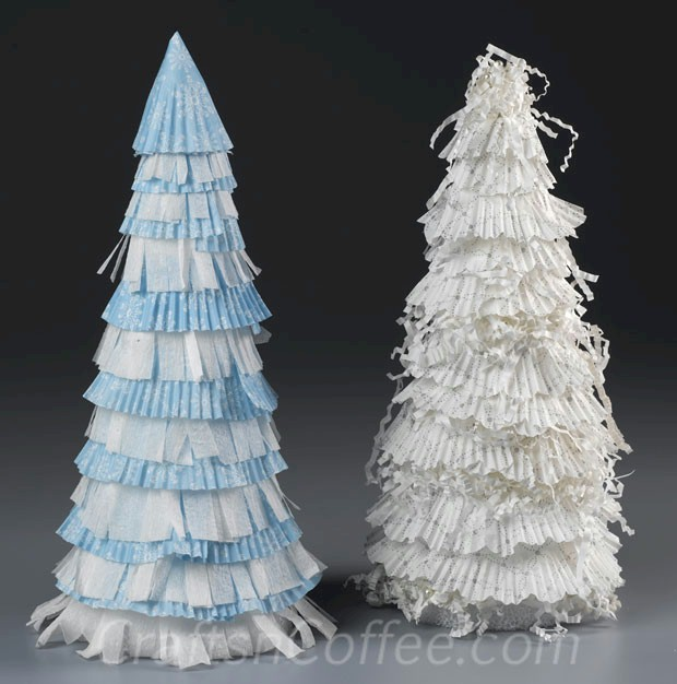 Image of Turn Cupcake Liners Into Christmas Trees