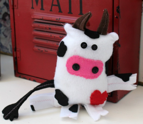 Cuddly Love Cow