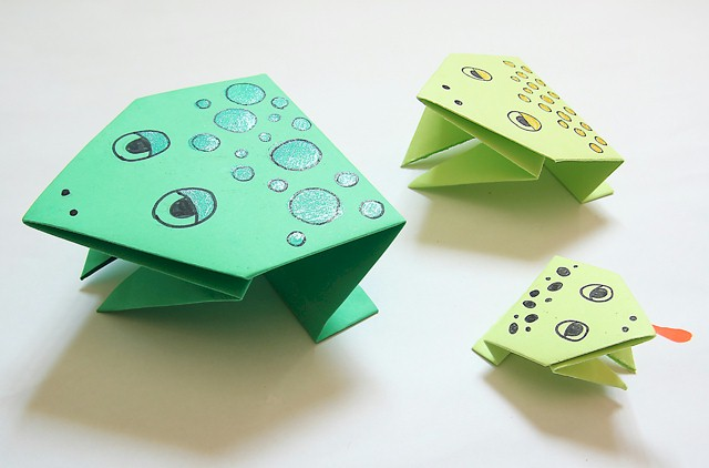 Image of Origami Jumping Frogs