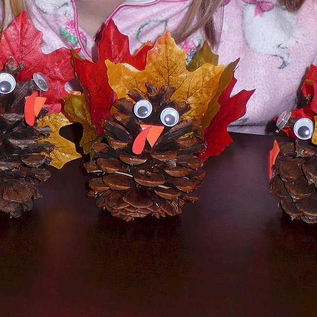 Easy Pinecone Turkey