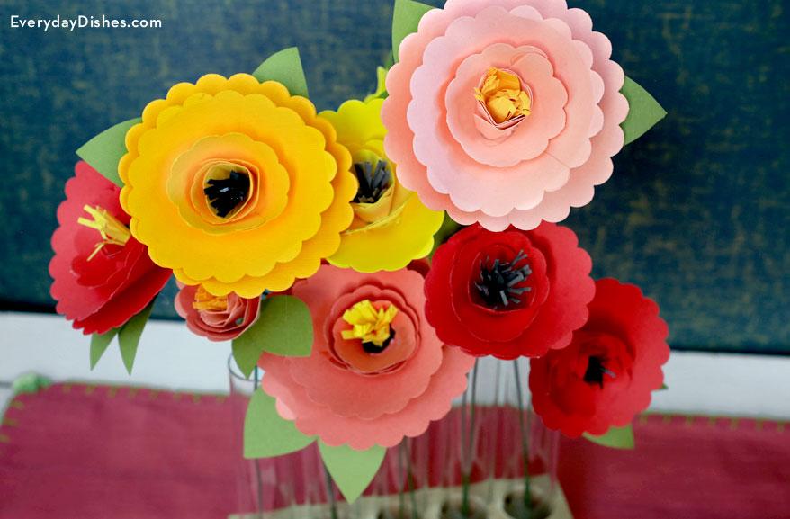 Image of Scalloped Edge Flowers