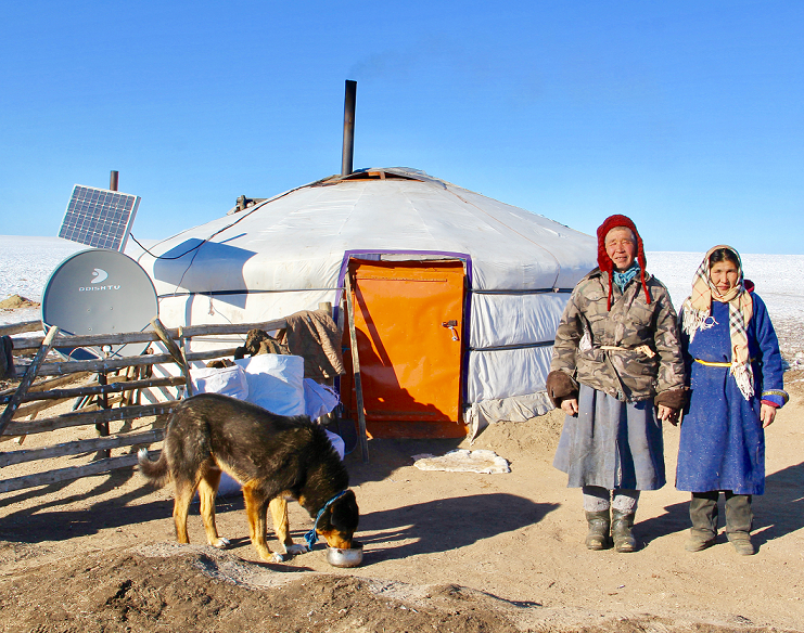 Pastevec Tserevjava Chuluunbaatara se svou ženou, foto Tatiana Gavyuk