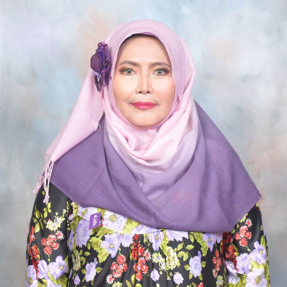 Indonesian reciter Maria Ulfah