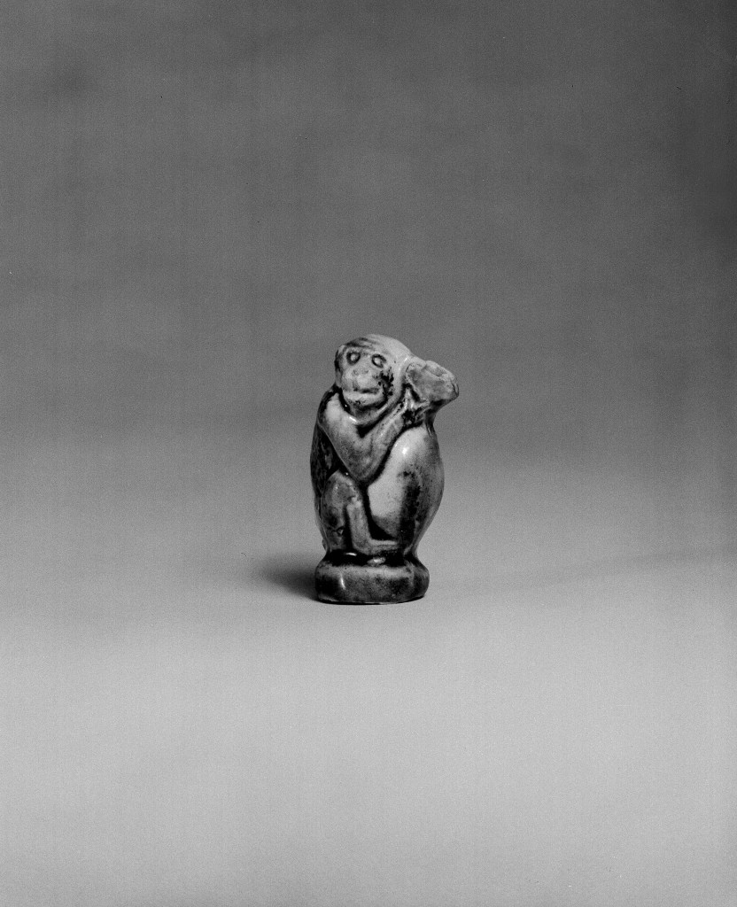 Photo, Glazed earthenware monkey. Tang dynasty, 9th–10th century., H: 4.5 cm. (1 3/4 in.) Singer catalogue number: [1298].