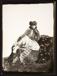 Photo, Sevruguin, Antoin,; b&w ; 17.1 cm. x 22.3 cm.; Myron Bement Smith Collection: Antoin Sevruguin Photographs. Freer Gallery of Art and Arthur M. Sackler Gallery Archives. Smithsonian Institution, Washington D.C. Gift of Katherine Dennis Smith, 1973-1985