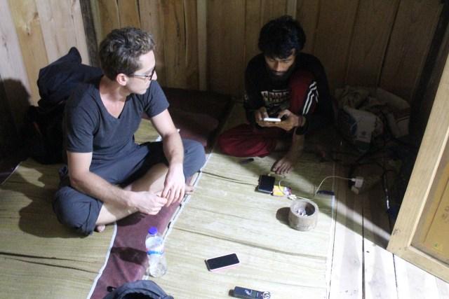 Communicating through Google Translate, Ngawonggo