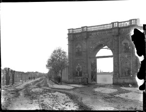 Sevruguin, Antoin,; b&w ; 23.7 cm. x 18.2 cm.; Myron Bement Smith Collection: Antoin Sevruguin Photographs. Freer Gallery of Art and Arthur M. Sackler Gallery Archives. Smithsonian Institution, Washington D.C. Gift of Katherine Dennis Smith, 1973-1985