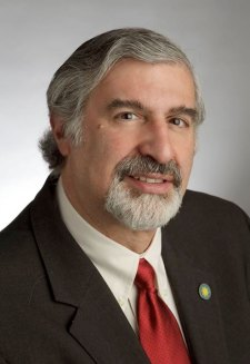 headshot of Dr. Richard Kurin