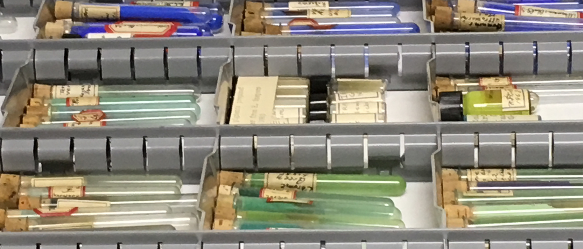 Glass tubes containing raw pigments