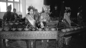 Talempong The Sustainability and Evolution of Talempong: Pluralism in Minangkabau Gong Practices