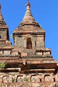 Single corner stupa finial