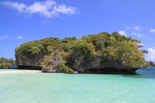 Sacred Rock, Kanumera Bay