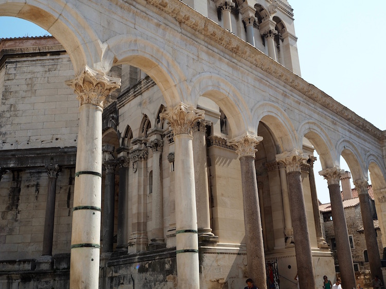 Columns encircling the cathedral