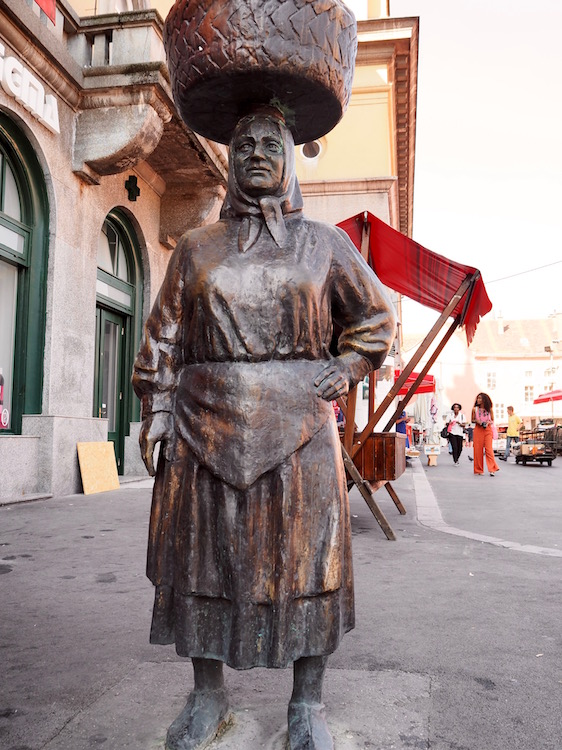 Statue next to the Dolac market