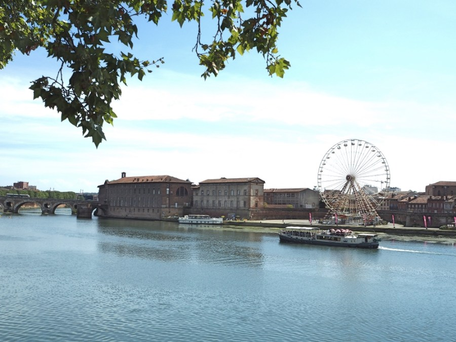 View accross the river from the promenade.