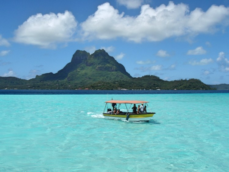 Beautiful view of the lagoon and Mount Otemanu.