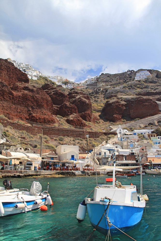 The old port of Ammoudi.