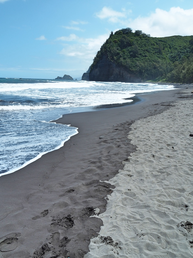 The Black sand beach of the Pololu Valley.