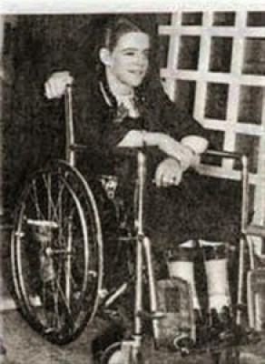 Karen Killilea using a wheelchair