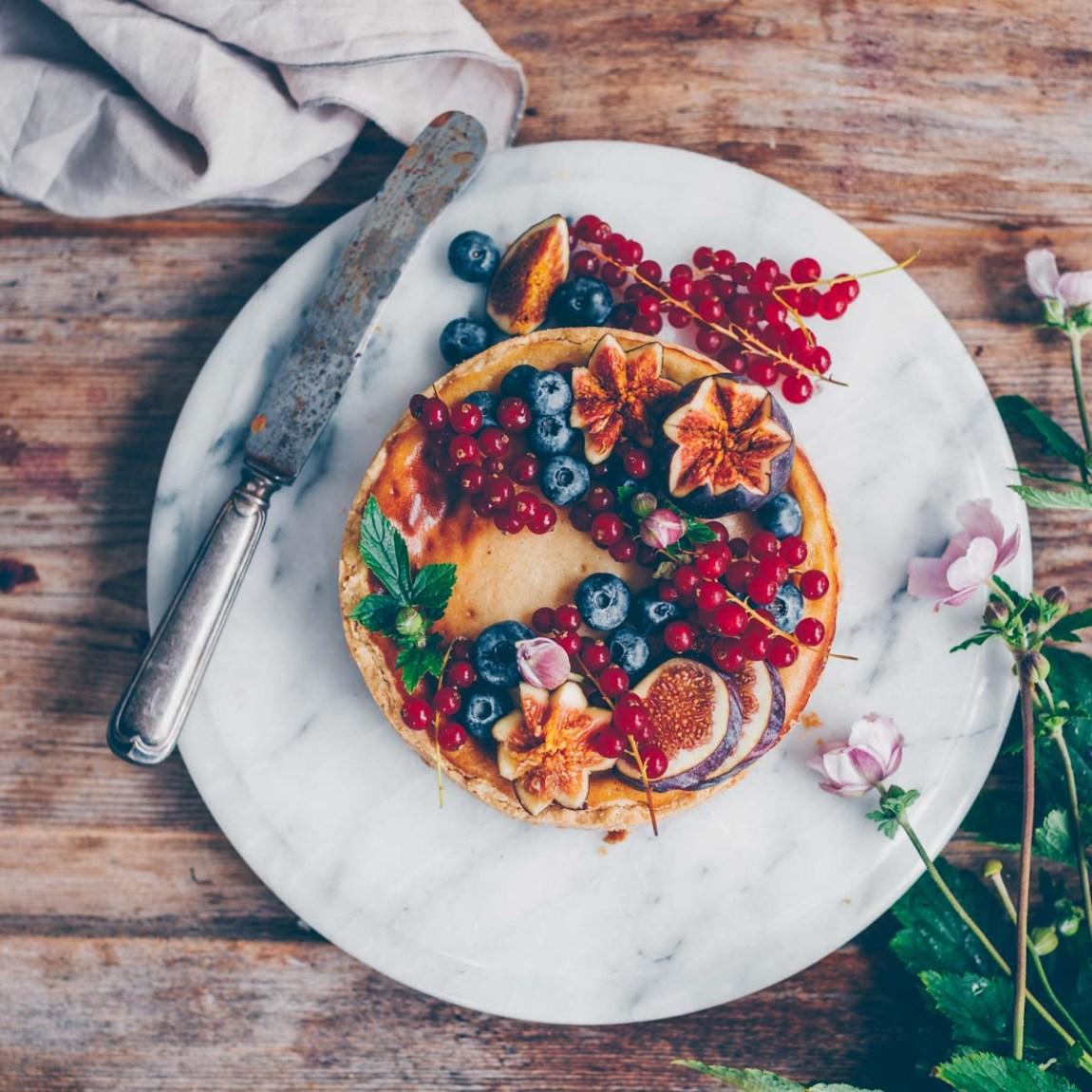 Käsekuchen vegan mit Früchten