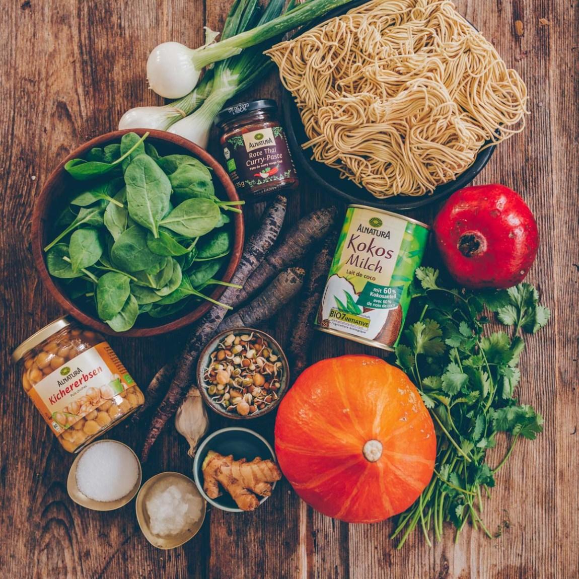 Kürbis Curry mit Mie-Nudeln vegan