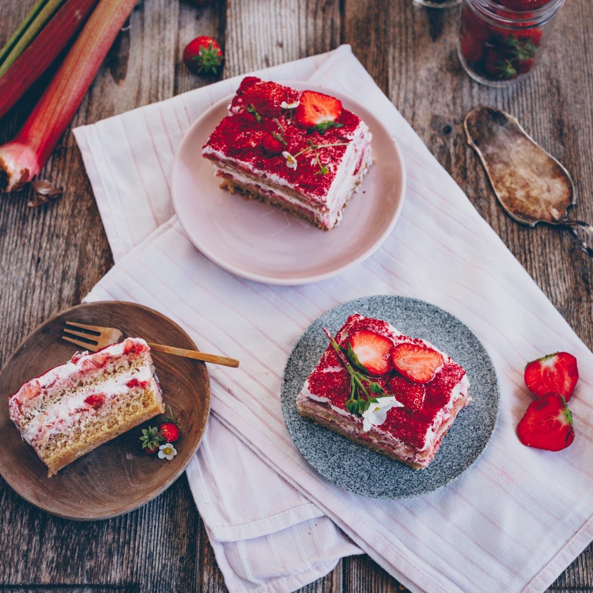 Erdbeeren Rhabarber Tiramisu