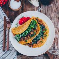 Kichererbsen Kräuter-Pfannkuchen gefüllt mit Pilzen