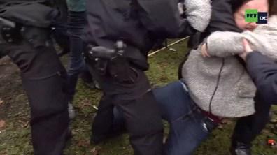 Ist das die Frauenförderung bei der Berliner Polizei?