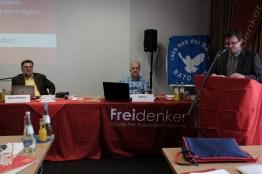 Sebastian Bahlo gibt den Bericht des Verbandsvorstandes