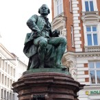 Freimaurer Führung: Lessingdenkmal Hamburg, CC Agrewe über Wikimedia Commons.jpg