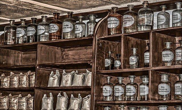 antike Apotheke mit Medizin