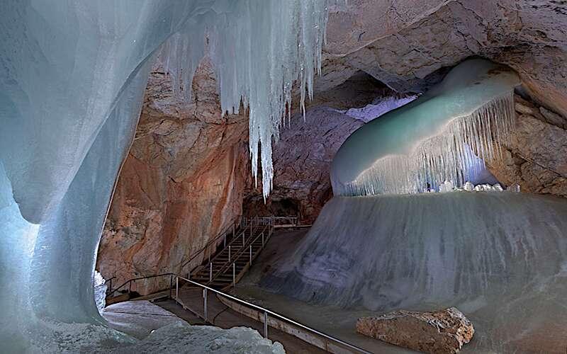 Höhle in der Eisriesenwelt