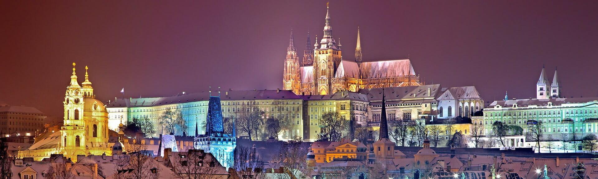 Klassenfahrt Prag Prager Burg bei Nacht im Winter