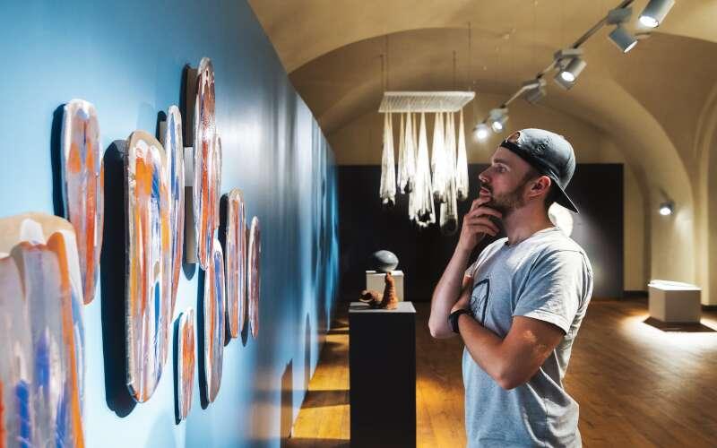 Klassenfahrt Riga Lettland Ausstellungsraum Kunstmuseum